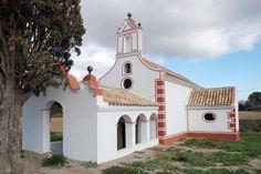 Fachada de la ermita barroca de Santa Maria de les Feixes - Cerdanyola del Vallés