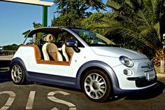 Spend your life near the beach? Well, the Fiat 500 Tender Two could be for you. It's a variation on the new Fiat 500 by Italian car design firm Castagna and based on the original Fiat beach buggy - the. Fiat Cinquecento, Fiat 500c, Fiat Abarth, Fiat 500 Pop, New Fiat, Beach Cars, Fiat Cars, Beach Buggy, Car Mods