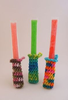 the kids would love these! No more wrapping freezies in paper towel or dish clothes. Freezie cozies! #crochet