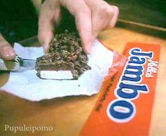 Punainen Jambo-suklaapatukka.