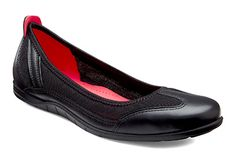 Sporty ballet flats! ECCO Bluma Summer Ballerina in Black!