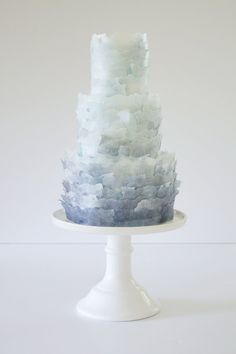 Wafer paper texture Wafer Paper Flowers, Wafer Paper Cake, Wedding Cakes With Cupcakes, Wedding Cakes With Flowers, Watercolor Cake Tutorial, Ruffle Cake Tutorial, Watercolor Wedding Cake, Cake Design Inspiration, Cake Decorating Frosting