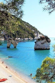 Turquoise Sea, Puglia, Italy - beach vacation in Italy#valentines day