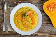 Risotto zucca e Taleggio Mets Vins, Vegetable Recipes, Hummus, Thai Red Curry, Cantaloupe, Food And Drink, Fruit, Vegetables, Ethnic Recipes