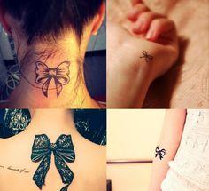 """O significado da tatuagem de laço muitas vezes tem relação com uma representação de algo que é bom e especial, que pode ser """"embrulhado para presente"""". Em muitos lugares também tem o significado de um """"nó contra o esquecimento"""", simbolizando lembranças especiais."""