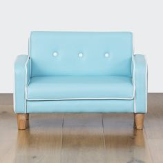 Genial Retro Blue Kids Couch