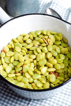 Southern Style Baby Lima Beans are cooked low and slow with bacon and seasoned to perfection. This country delicacy is melt in your mouth deliciousness! Beans For Babies, Cooking Lima Beans, Lima Bean Recipes, Southern Side Dishes, Mashed Potato Cakes, Cooking Recipes, Healthy Recipes, Healthy Eats, Country Cooking