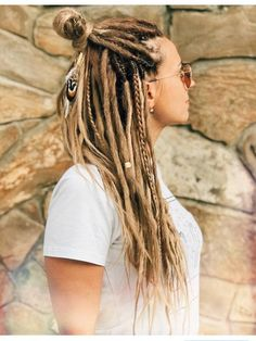 Synthetic Dreads, Natural beige Double Ended Mix Dreads and Braids Natural Light Brown Ombre with Accsesories Hippie Dreads, Dreadlocks Girl, Faux Dreads, Synthetic Dreadlocks, Dreads Women, Dread Braids, Box Braids, Blonde Dreads, Dreadlock Styles