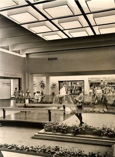 Vintage photo of the NorthPark shopping center in Dallas, Texas.   My only question is, where are the ducks and the children watching said ducks?!