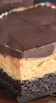 The Best Buckeye Brownies Recipe Peanut Butter Desserts, No Bake Desserts, Easy Desserts, Delicious Desserts, Dessert Recipes, Chocolate Peanut Butter Brownies, Bar Recipes, Dessert Ideas, Brownie Mix Recipes