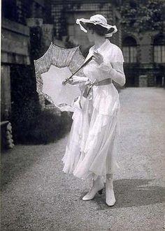 Sommerkleid der Wiener Werkstätte, 1916.