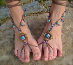 Gleeful Things » Favorite Finds: Barefoot Sandals