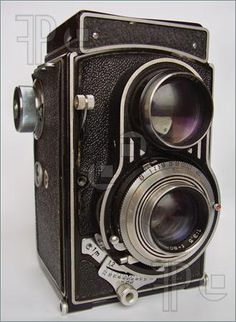 Pics of Antique camera from Czechoslovakia - 1950