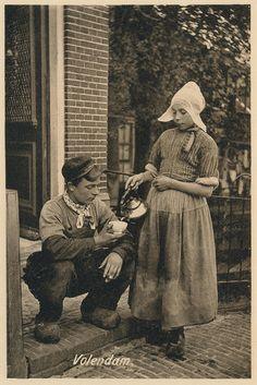 Volendam pm 1915 by janwillemsen, via Flickr