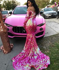 D/What color do you want to go to prom in🤩? Black Girl Prom Dresses, Senior Prom Dresses, Pretty Prom Dresses, Prom Outfits, Prom Dresses With Sleeves, Gala Dresses, Mermaid Prom Dresses, Cute Dresses, Prom Goals