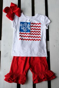 Memorial Day & Independence Day is right around the corner, show your love for America and all that it stands for with our USA Flag designed Toddler Tee. It is super adorable paired with a cute bottom and of course a BIG bow! This design can be altered to fit your specific needs, please send a message if you would like to customize! A name under the flag is also cute! This is a Garanimals tee with a vinyl print on it. Design is created using heat transfer vinyl, and is applied with a hea...