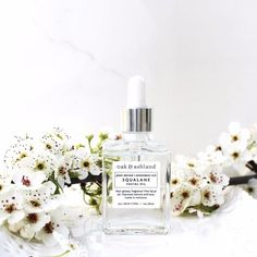 A fragrance-free face oil for even the most sensitive of skin. Skin instantly looks more plump and refreshed after a week of use. Slowly helps to brighten hyper