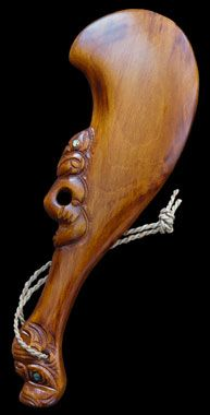 New Zealand Maori Wahaika This is a type of carved wooden fighting club used by… Club Weapon, Simple Wood Carving, Axe Handle, Native Tattoos, Traditional Sculptures, New Zealand Art, Medieval Weapons, Maori Art, Carving Designs