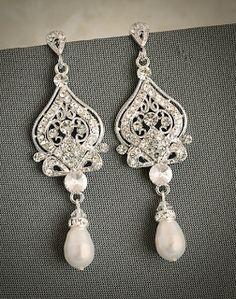 la manina : etsy finds october long vintage pearl earrings