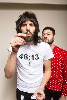 Kasabian - Sergio and Tom Famous Artists, Music Artists, Band Pictures, Great Bands, Hair Dos, Music Bands, A Good Man, Rock Bands, My Music