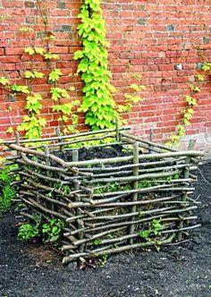 Garden Crafts, Diy Garden Decor, Garden Projects, Garden Trellis, Garden Pots, Potting Bench Plans, Colonial Garden, Twig Art, Garden Inspiration