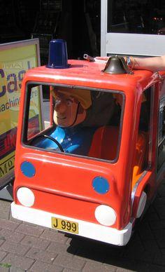 Series E beacon lens on children's ride