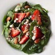 Spinach-Strawberry-Goat-Cheese-Salad-with-Pomegranate-Viniagrette-1_thumb.jpg