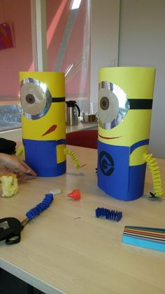 Minion lampion from pet bottles fire brigade - Laternen aus pet flaschen - taktak decor Minions, Summer Crafts, Diy And Crafts, School Projects, Projects To Try, Diy For Kids, Crafts For Kids, Toilet Paper Crafts, Pet Bottle