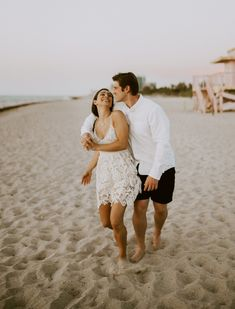 Couple Beach Photos, Beach Wedding Photos, Sunrise Engagement Photos, Engagement Photography, Engagement Photo Inspiration, Wedding Photography Inspiration, Beach Sessions, Miami Beach, Romantic