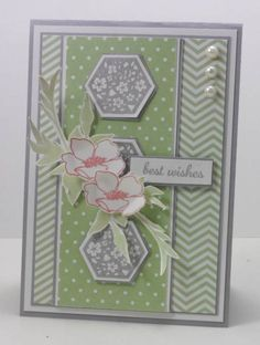by Narelle Farrugia: Stampilicous - 8-14-13. SU stamps: Fabulous Florets, Six Sided Sampler.  SU Papers: Smoky Slate cs, Whisper White cs, Pistachio Pudding DSP. SU Ink: Smoky Slate, Crisp Cantaloupe. Challenge: Freshly Made Sketches#99