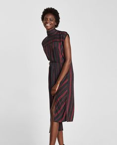 This season's key dresses at ZARA online. Choose an elegant or casual piece. Enter now and discover all the dresses of the new collection at ZARA. Robes Midi, Fashion Catalogue, Zara United States, Mannequins, Dress Collection, Latest Trends, High Neck Dress, Sari, Elegant