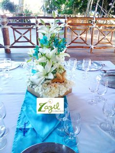 XV años en Playa del Carmen | Centros de mesa para XV años en el Hotel Xcaret Occidental Destination. #cancunflorist #playadelcarmenfloraldecor #playadelcarmenevents