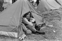 You still camp in tents. | 33 Glorious Photos Of The Isle Of Wight Festival In The '60s And '70s