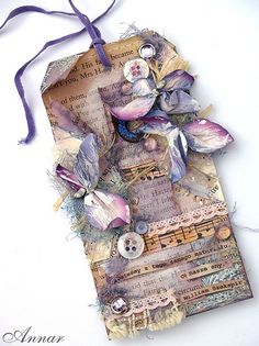 From Anna Rogalska, aka Annar, in Poland. Atc Cards, Card Tags, Gift Tags, Diy Marque Page, Shabby, Arts And Crafts, Paper Crafts, Handmade Tags, Paper Tags