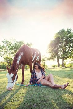 Girl Senior Picture with horse » Trantham Photography