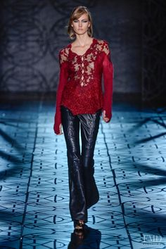 Photo feat. Karlie Kloss - Animale - Autumn/Winter 2014 Ready-to-Wear - S�o Paulo - Fashion Show | Brands | The FMD #lovefmd