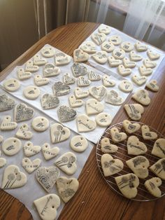 salt dough ornaments Cool idea for hostess , teacher, gifts and shower favors - salt dough ornaments Cool idea for hostess , teacher, gifts and shower favors - Salt Dough Christmas Ornaments, Clay Ornaments, Ornaments Recipe, Homemade Ornaments, Noel Christmas, Homemade Christmas, Salt Dough Decorations, Salt Dough Crafts, Diy Weihnachten