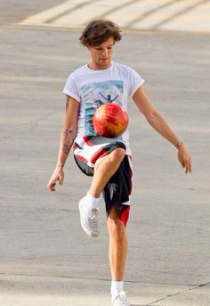 Louis Tomlinson One Direction Louis Y Harry, Louis Tomlinsom, Troy Austin, One Direction Images, Louis Williams, 1d And 5sos, Larry Stylinson, Liam Payne, Celebs