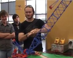 Australian students 3D print a gigantic working crane that can lift up to five kilos