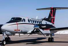 Pilot report: Long-legged King Air is a Flexible and Capable . Aviation Center, Aviation News, Jet Aviation, Private Plane, Private Jets, Aircraft Interiors, Aircraft Maintenance, Vintage Airplanes, Aircraft Design