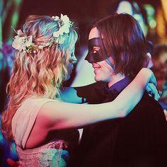 La vie est un bal masqué où tout le monde est déguisé
