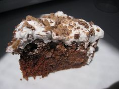Weight Watchers Gob Cake Recipe - 6 WW+ pts per serving. See if I can reduce that. Ww Desserts, Weight Watchers Desserts, Delicious Desserts, Dessert Recipes, Yummy Food, Light Desserts, Dessert Ideas, Healthier Desserts, Awesome Desserts