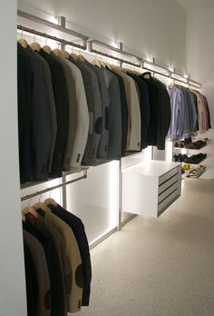 Walk-in closet www.anywaydoors.be