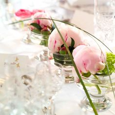 Bilderesultat for borddekorasjoner Our Wedding Day, Dream Wedding, Centerpieces, Table Decorations, Pink Peonies, Flower Power, Flower Arrangements, Glass Vase, Table Settings