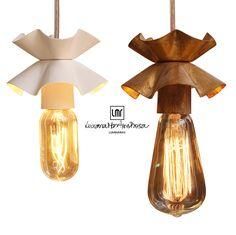 Lâmpada idealizada e produzida por Luciana Martins Rosa com Lâmpadas de Carbono. ( Lamp idealized and produced by Luciana Martins Rosa with Carbon Lamps.)