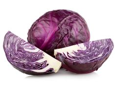 Did you know that red cabbage is healthier than white cabbage? Cabbage, Benefits of Cabbage for Pregnant, Benefits of Red Cabbage. Fresh Vegetables, Veggies, Yellow Vegetables, Cabbage Health Benefits, Purple Cabbage, Juicing For Health, Nutrition, Cabbage Soup, Food Facts