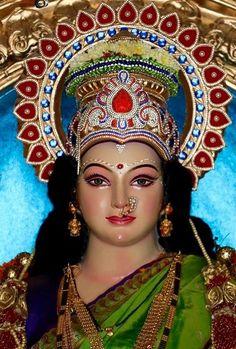 Navratri Puja will help you overcome all your negativities. Flourish with wealth on this Navratri by offering Homam to Lakshmi, Saraswathi & Durga. Shiva Art, Shiva Shakti, Krishna Art, Baby Krishna, Hanuman Images, Durga Images, Ganesh Images, Maa Durga Photo, Maa Durga Image