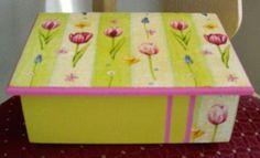 http://lasmanualidades.imujer.com/2008/09/30/caja-decorada-en-decoupage-enviada-por-ana