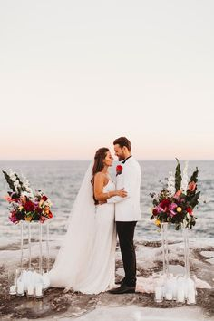 Luxe Coastal Wedding Inspiration via Beach Wedding Centerpieces, Beach Wedding Flowers, Wedding Bows, Rose Wedding, Wedding Styles, Wedding Ideas, Wedding Rings, Beach Ceremony, Wedding Ceremony