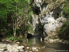 Ramet Gorges > < Hiking and caving photos Mountaineering, Romania, Trekking, Backpacking, Hiking, Adventure, Mountains, Walks, Backpacker